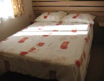 butlinsskegness_r96double bed2